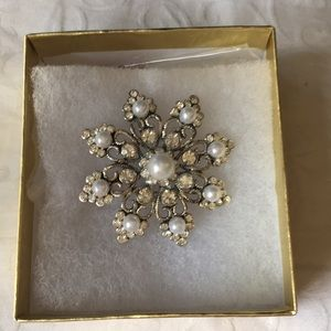 Silver flower with pearls and diamonds
